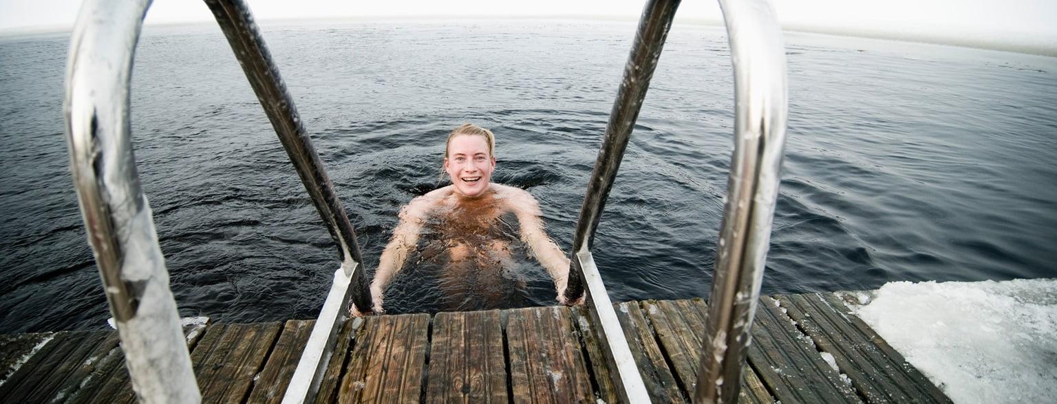 Wasser ins mit springen klamotten Klamottenbaden