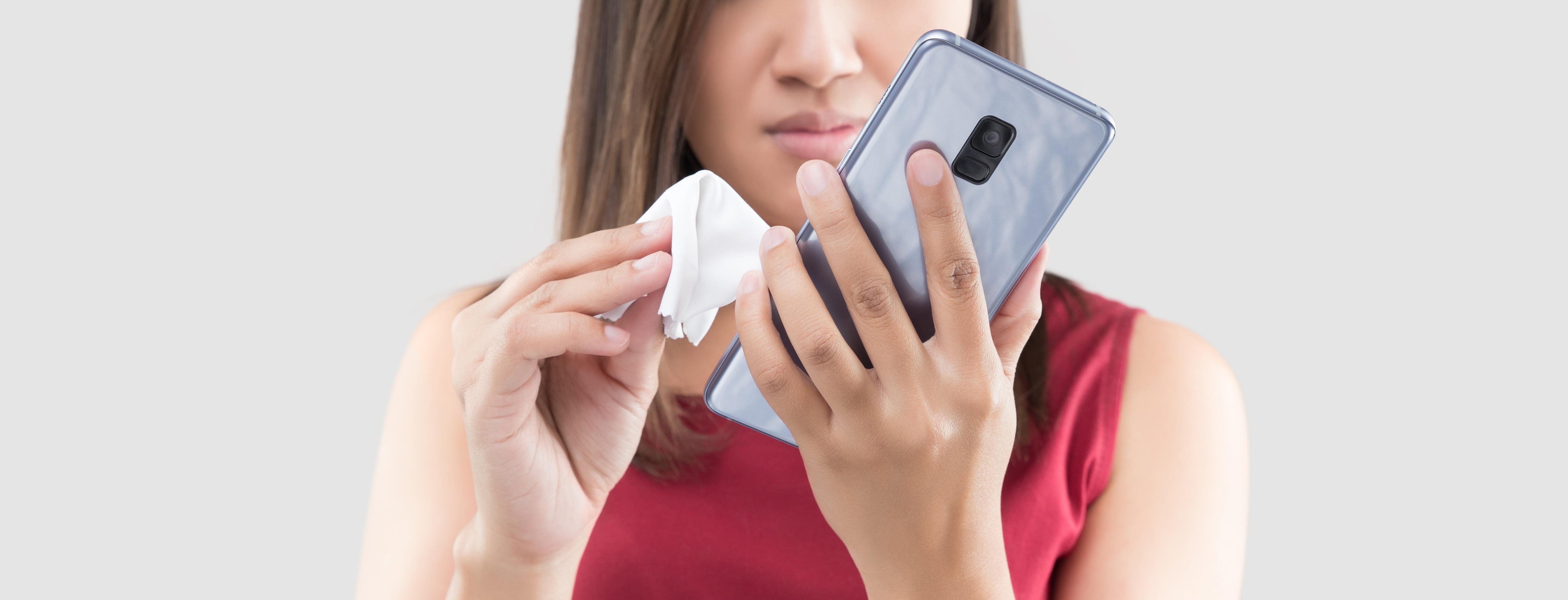 Handy Reinigen So Wird Das Smartphone Keimfrei Der Spiegel